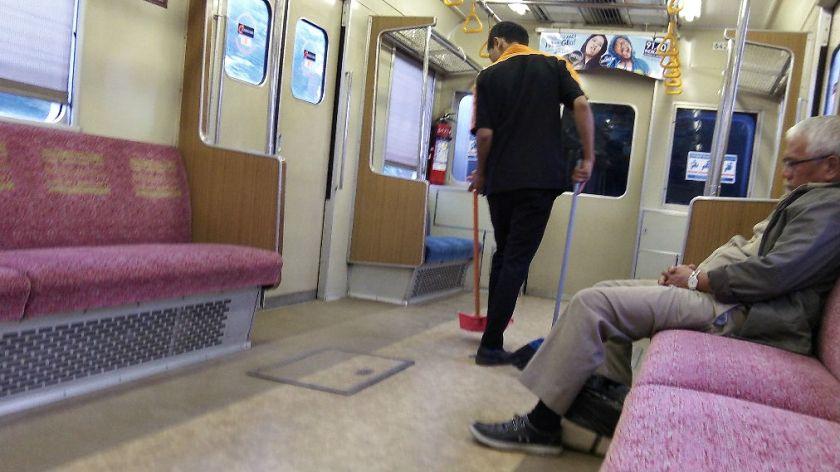 Didalam KRL Commuterline