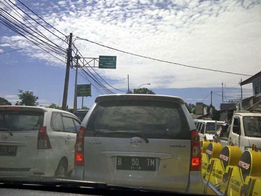 Situasi didepan terminal Pinang Ranti